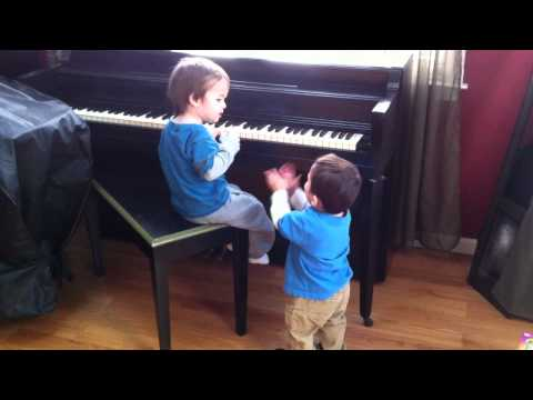 Funny Baby Piano Duet — Yay !!  Thank you.